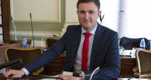 Piotr Grzelak, zastępca prezydenta Gdańska, tłumaczył podczas sesji, dlaczego konieczne jest wprowadzenie podwyżek  Fot. Jerzy Pinkas/www.gdansk.pl